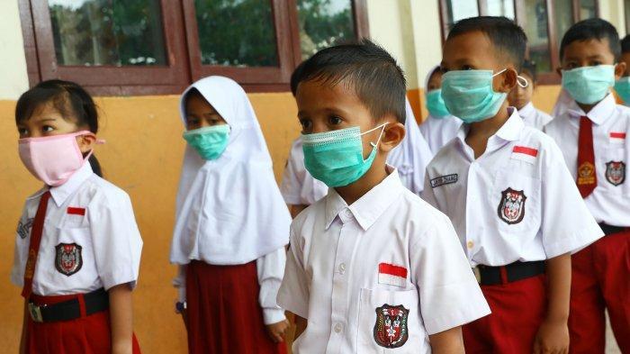 siswa-sdn-002-ranai-menggunakan-masker-di-kabupaten-natuna-1